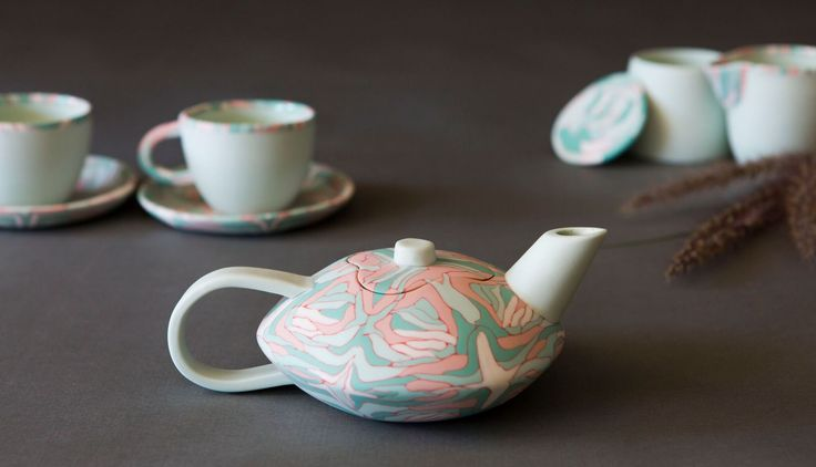 Nerikomi techniques masterclass | 8 October 2016.   Learn Japanese nerikomi forming techniques with ceramist Anne Mossman.