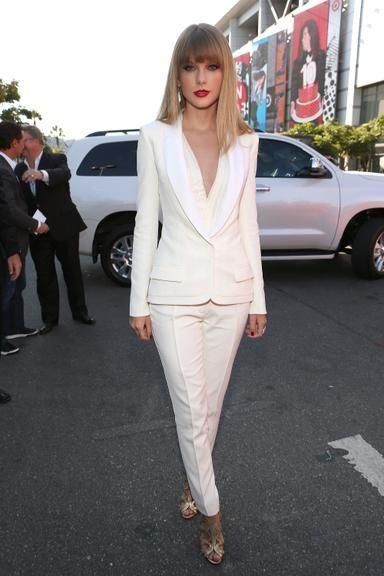 CARAS - Fashion - Veja as famosas que apostam no terninho e arrasam
