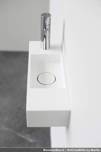 2 nieuwe wastafel collecties AIR en BOX http://www.wonenonline.nl/sanitair/badkamer-12/Badkamer-wastafels-notonlywhite-AIR-BOX.html#