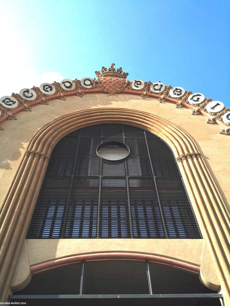edificio del mercado central de tarragona el arquitecto incorpor la plstica modernista con elegancia en
