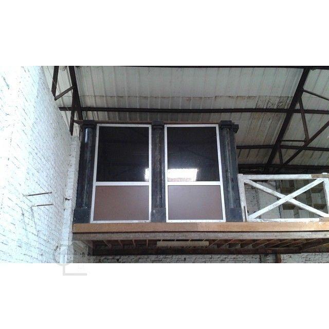 Wattrelos. Cloisons avec panneaux en fibro ciment amianté dans un entrepôt de la Zone de l'Union. #diagnosticsimmobiliers #amiante #asbestos #nord #wattrelos #union59