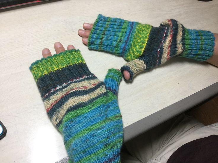 Knitted item   Arm holder