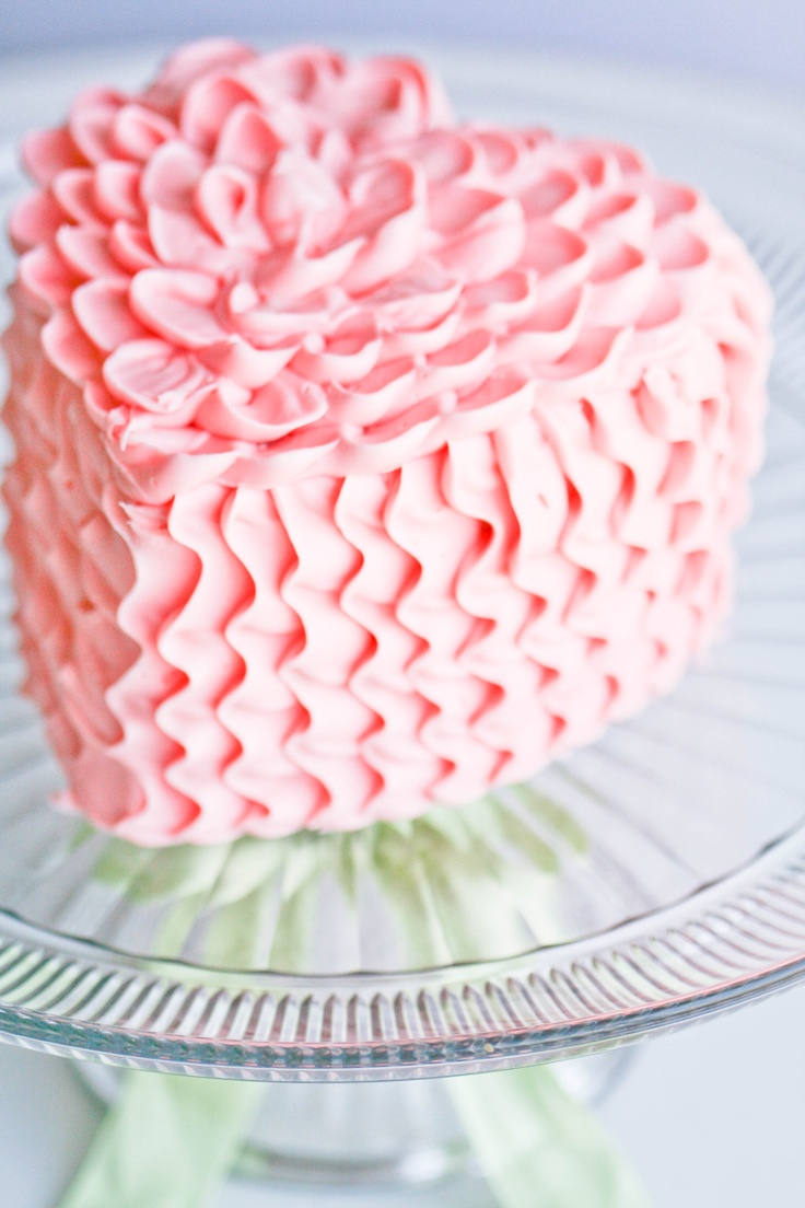 ruffle heart cake.