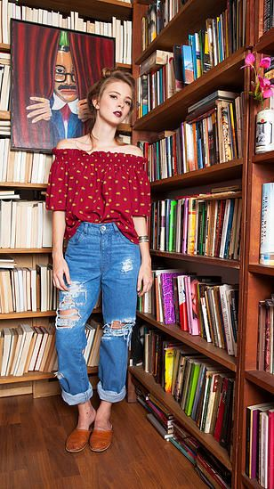Destroyed jeans, decote ombro a ombro poá, casual outfit, lookbook, how to wear