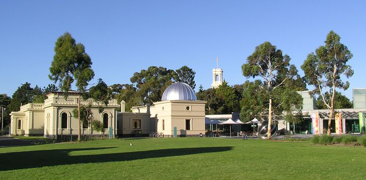 http://upload.wikimedia.org/wikipedia/commons/0/0a/Melbourne_Observatory_Building_%26_Astrograph_House.jpg