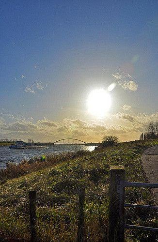 Schelde-Rijnkanaal, St. Philipsland, Zeeland.