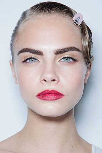 Cara Delevingne // Flawless make up. BOLD BROWS AND LIPS