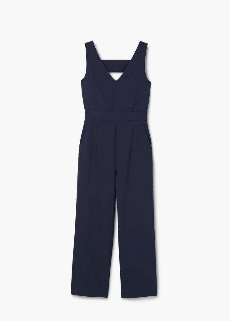 Tulum sevdalıları için! Bu güzel tulumu rahatlıkla ofisinizde de giyebilirsiniz. #maximumkart #moda #fashion #ofismodası #officefashion #tulum #overalls #siyahtulum #tulummodelleri