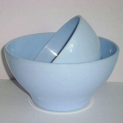 Rosti Danish design retro bowl from the 50s in melaminplastic. #rosti #mepal #50s #melamine #kitchenware #danishdesign #danskdesign #sælges #tilsalg #forsale on www.TRENDYenser.com.