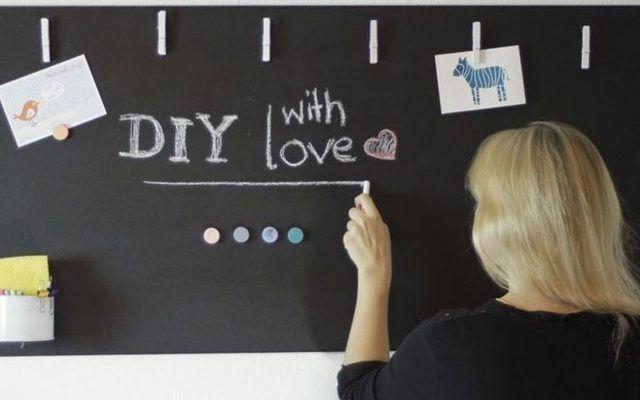 Baue Dir Dein eigenes Magnetisches Blackboard mit Magnetfarbe und Tafelfarbe von Kolorat.