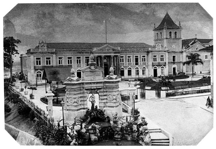 1887 - Largo do Palácio (atual Pátio do Colégio) / The Largo do Palácio and…