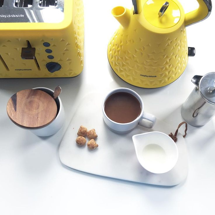 The striking yellow Prism kettle from Morphy Richards #byktl