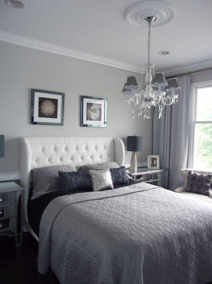 weiß gepolsterter Bett Kopfteil und glamouriöse Accessories