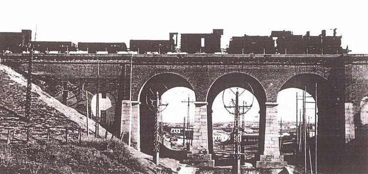 """Imagen del antiguo """"Puente de los Tres Ojos"""" sobre el arroyo Abroñigal, actualmente """"M-30"""""""