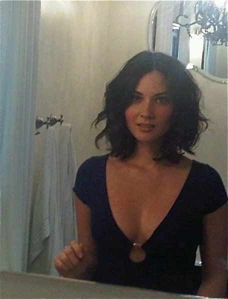 Beachy waves a bit of skin, a great combo on the beautiful Olivia Munn. sexyhair.com