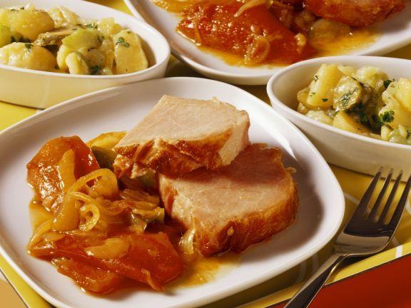 Honig-Kassler mit Letscho ist ein Rezept mit frischen Zutaten aus der Kategorie Schwein. Probieren Sie dieses und weitere Rezepte von EAT SMARTER!