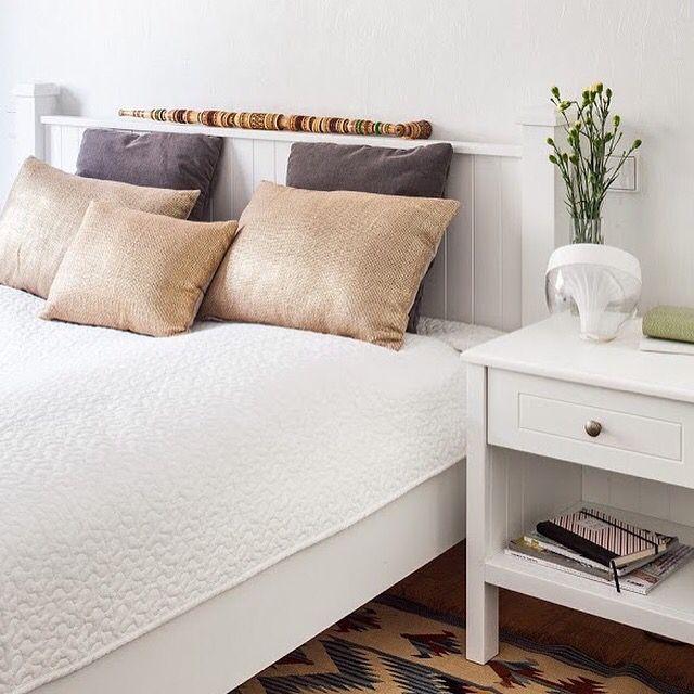 #bedroom #sypialnia , zdjecie Marcin Czechowicz,  stylizacja Marynia Moś, publikacja M jak mieszkanie Projekt @Jacek Tryc - wnętrza. #whiteroom #biały #interior #interiordesign   #projektowaniewnętrz #zakopane