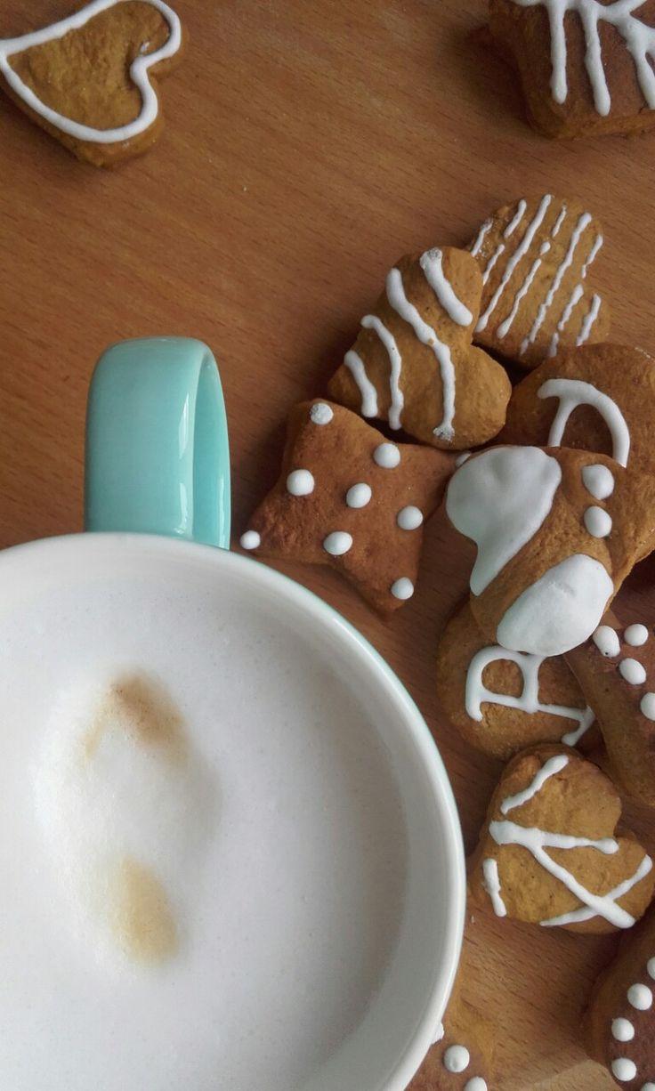 #ilovebudapest #coffee #hungariancoffe #gingerbread #coffee