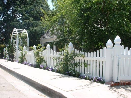 Best Colonial Picket Fences