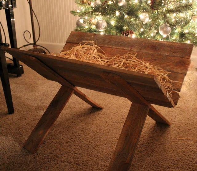 Wood you like to craft?: Wood Manger-Crafty Sisters  @Betty Lawson    did you already make yours??