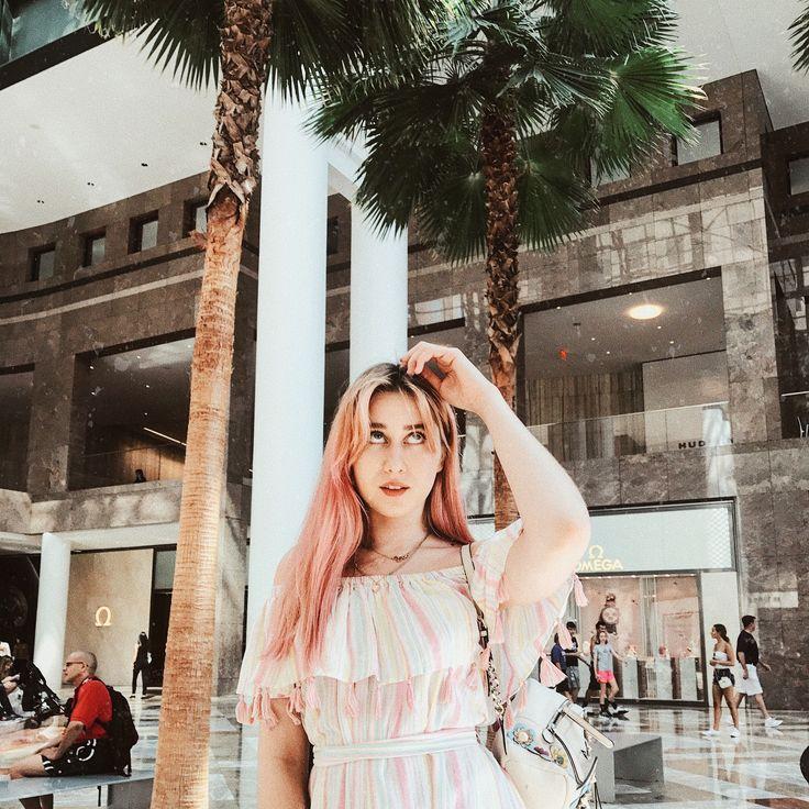 32.4 тыс. отметок «Нравится», 41 комментариев — MARIE NOVOSAD (@marienovosad) в Instagram: «Woke up to candy floss hair and a caffeine addiction.»