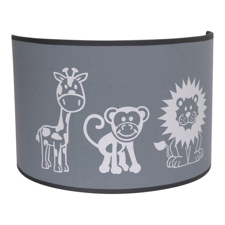 Jungle dieren wandlampje in grijs en wit Wandlamp met giraffe aap en leeuw in grijs en wit. Wandlampje voor de jongens kinderkamer of babykamer met lieve jungle dieren. Deze jongenslamp is ook verkrijgbaar als hanglamp. Kleuren kunnen naar wens worden aangepast.