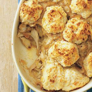 Everyone will want a bite of this Chicken, Biscuits 'n' Gravy Casserole | http://www.rachaelraymag.com/Recipes/rachael-ray-magazine-recipe-search/dinner-recipes/chicken--biscuits--n--gravy-casserole