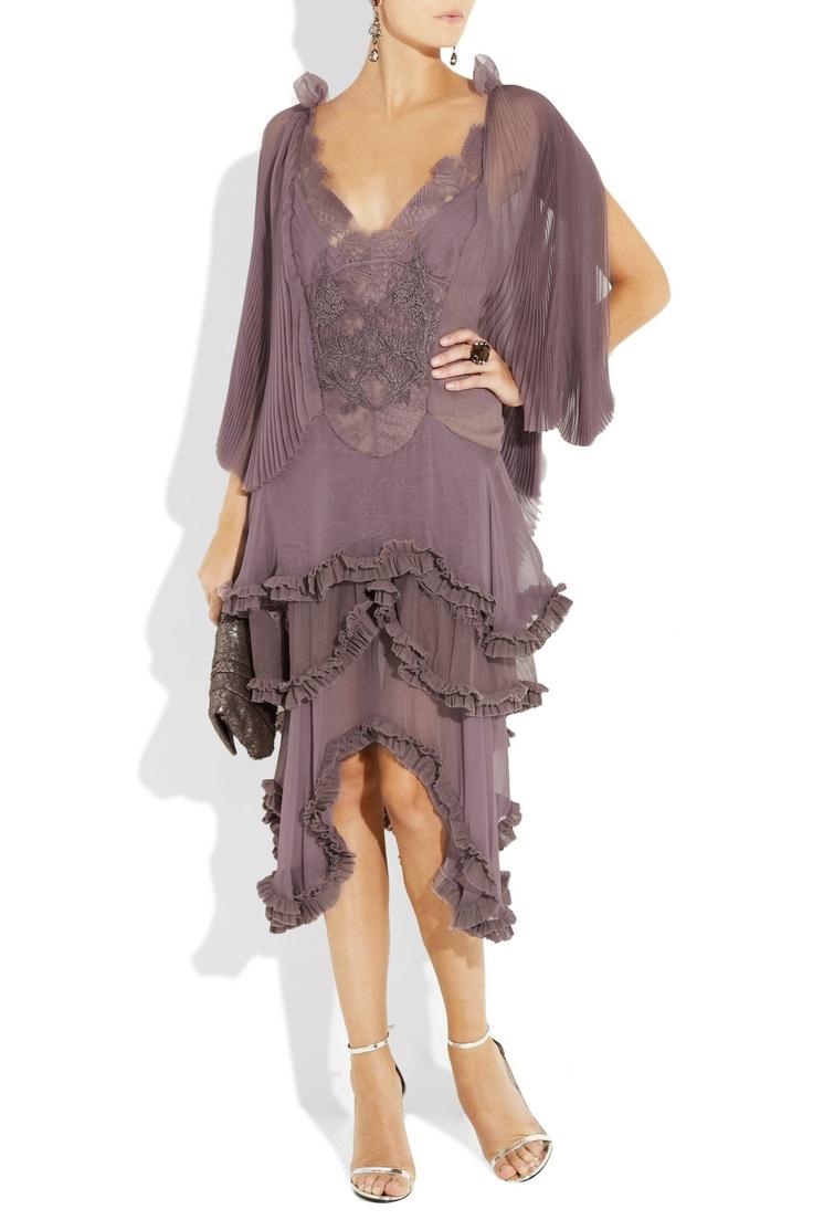 Very romantic 20s styled dress. #julienmacdonald