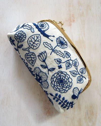 NECESITO aprender a bordar y hacer bolsitos como estas preciosidades que he visto en Kireeii. www.kireei.com