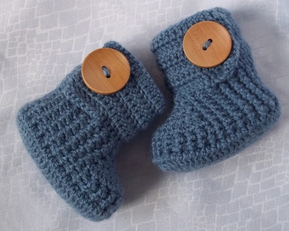 baby booties from etsy: Babies, Baby Baca, 36M Choose, Crocheted Baby Booties, Buttons Choo, 18 00, Future Baby, Crochet Baby Booties, Newborns