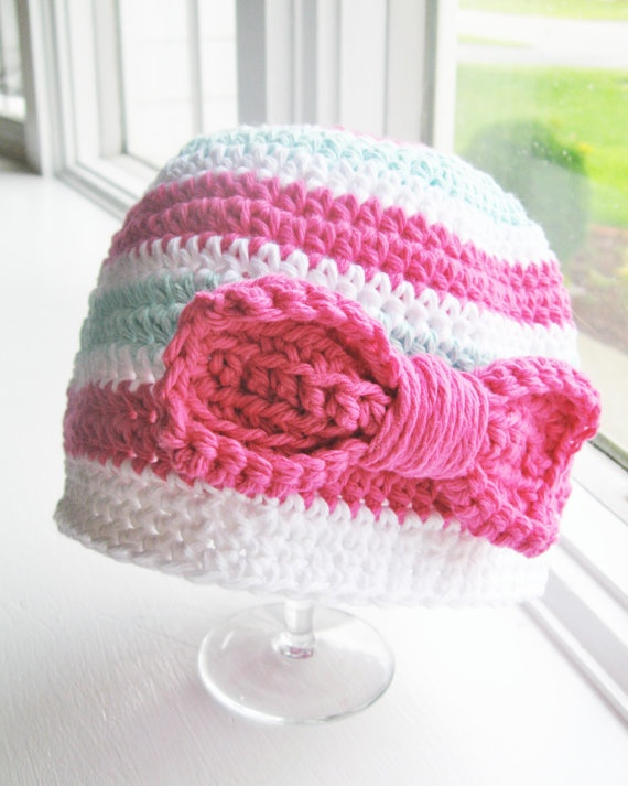 baby girl crochet hat, like the bow on the side