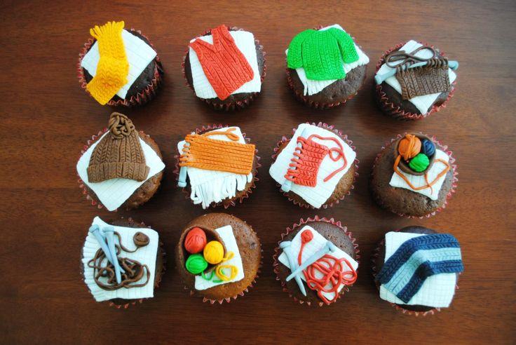 Ricos cupcakes de invierno para comer mientras tejes al lado de la estufa