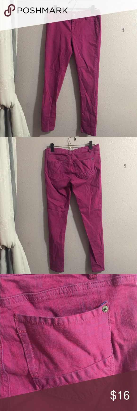 Fuschia Skinny Jeans These jeans look fabulous with a simple, neutral tee or sweater. They will definitely draw eyes to your legs. They are a bit stretchy. Size 5/6  Flaws: A couple loose threats, but otherwise perfect condition   97% Cotton 3% Spandex Rue21 Pants Skinny