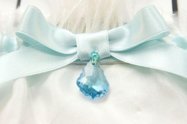 Largest selection of hand sewn wedding garters, heirloom garters, silk garters, lace garters, toss garters, garter sets, couture garters, fabulous gifts & keepsakes at Perfect Details.