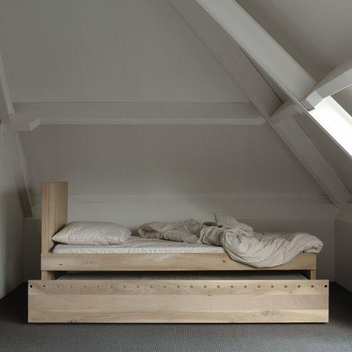 Warber | Twa bed met uitschuifbed, designed by Kristien Pilat & Peter Tromop