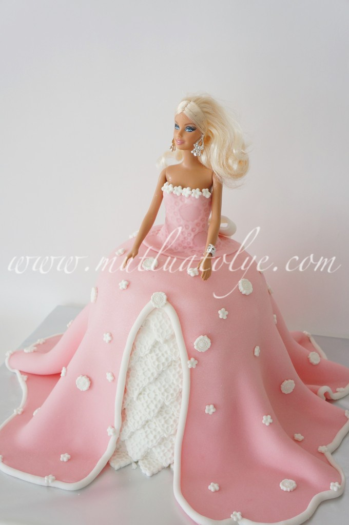 butik pasta, barbie, barbieli pasta, prenses, pembe, kız, çocuk, doğumgünü, doğum günü, yaş günü, ankara, doğal, katkısız, sağlıklı