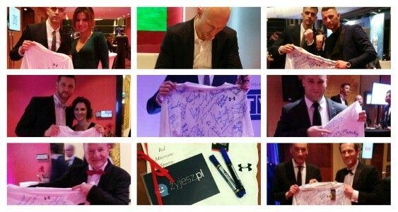 2 godziny do zamknięcia aukcji: aukcje.wosp.org.pl/koszulka-z-podpisami-mistrzow-i2717851