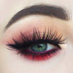 eyelashes curly