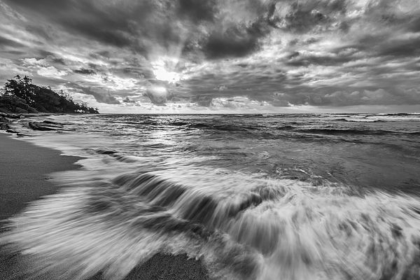 Art-#gift to #decorate a  #home #office from #ocean  #kauai #hawaii in #black and #white http://imagesbyjonevan.artistwebsites.com/featured/glowing-softly-ii-jon-glaser.html