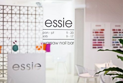 www.warsawnailbar.pl Warsaw Nail Bar Essie interior design 2014 neon Designers Guild Magis Cyborg white interior salon