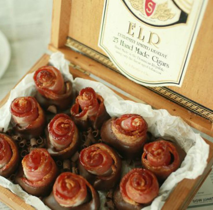 Chocolate dipped bacon roses are salty, sweet, and very manly. Wrap them up in a cigar box and you have the perfect homemade Valentine's Day gift for him! - Everyday Dishes & DIY