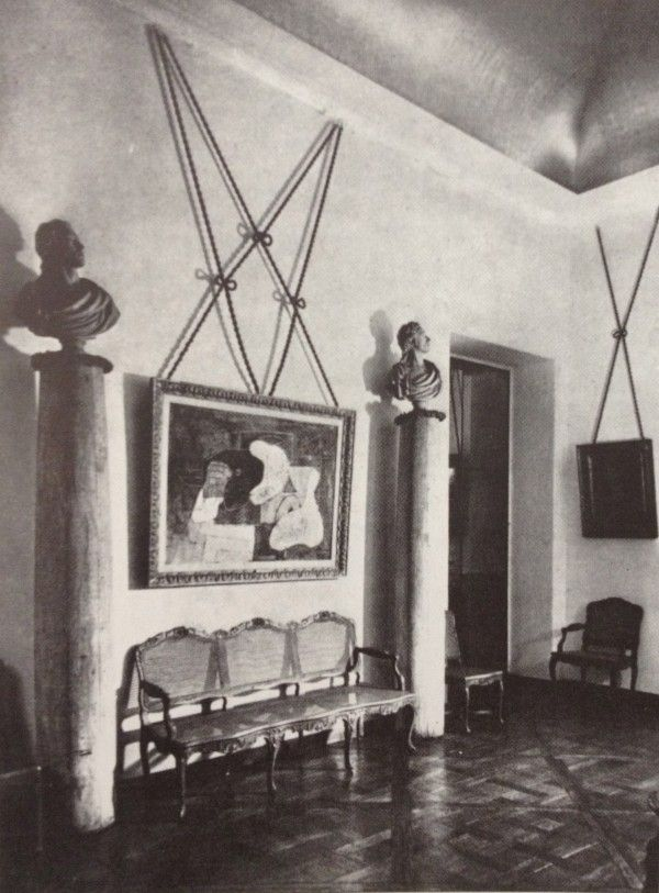 Entrance Hall of the de Noailles Paris Townhouse designed by Jean-Michel Frank. This article has some great photos and information about the legendary Jean-Michel Frank.