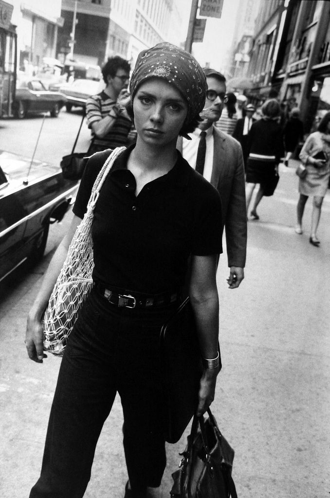 everyday_i_show: photos by Garry Winogrand