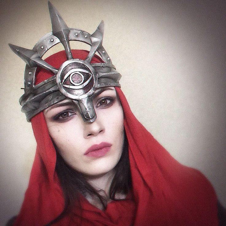 Примерочка. Красная ткань не финальная просто для антуража #cosplay365 #prop #cosplayprop #cosplayarmor #dragonageinquisition