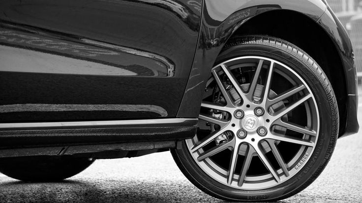 💚 Get this free picture Close-up of Vintage Car    🆓 https://avopix.com/photo/62215-close-up-of-vintage-car    #boundary #wheel #tire #car #transportation #avopix #free #photos #public #domain