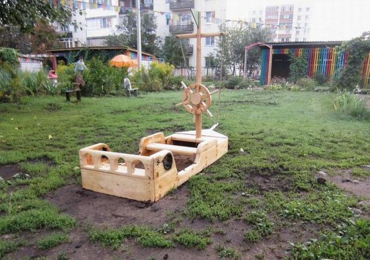 sandbox boat with shturvala