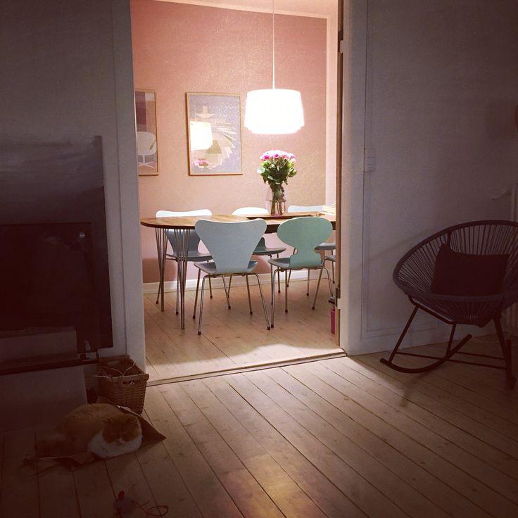 Spisestue, dining room, pink, Louis Poulsen, Collage, Fritz Hansen, Syveren, Myren