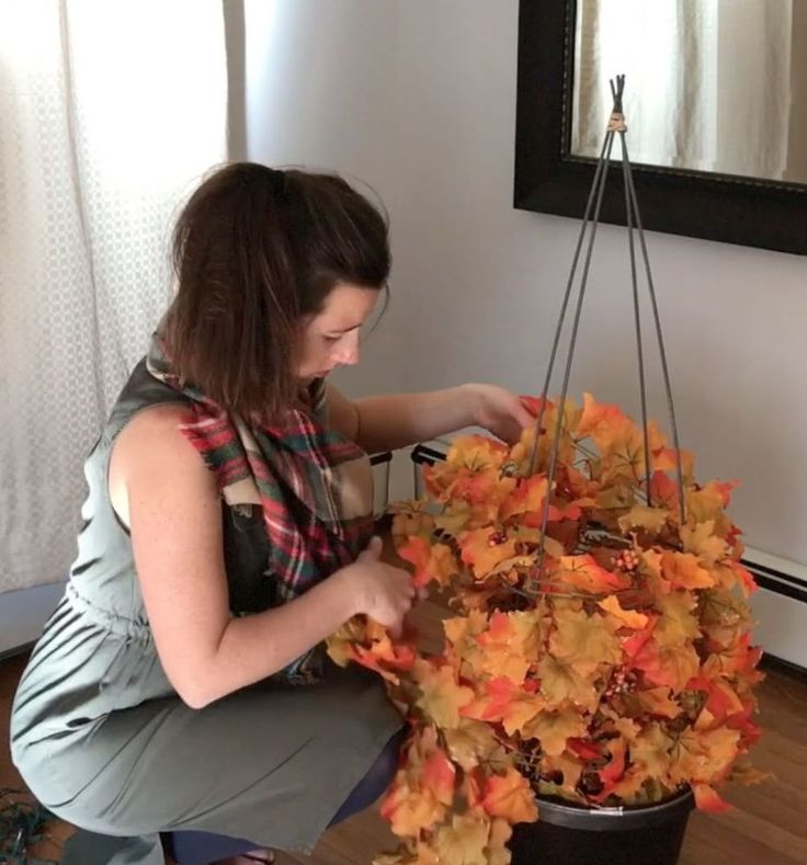 Ok so do y'all remember the fall topiaries I made a month or so ago with tomato cages? Well, now that the seasons are changing, it's time to put away the fall d…