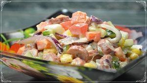 Фото к рецепту: Яркий, простой в приготовлении и невероятно вкусный САЛАТ РАДУГА на день рождения