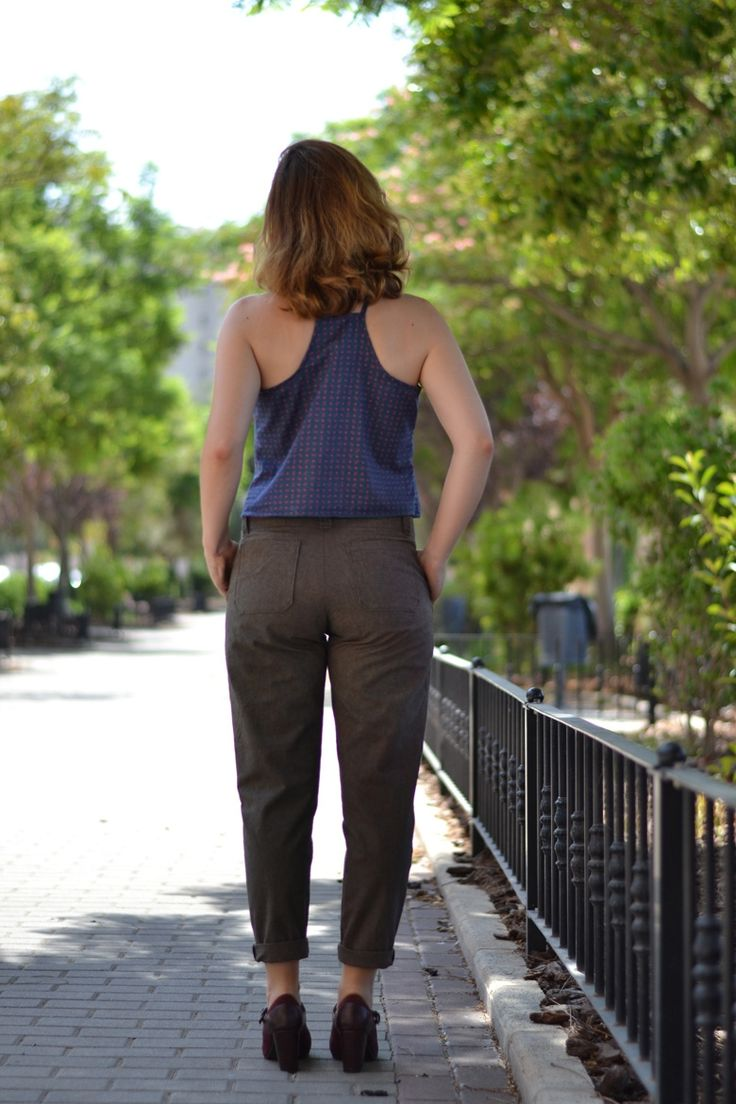 trousers sewing pattern, chino cut and with pockets
